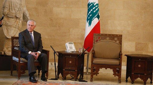 Ortadoğu turu için Lübnan'a ziyaret gerçekleştiren ABD Dışişleri Bakanı Tillerson Cumhurbaşkanı Mişel Avn ile olan görüşmesinin öncesinde salonda bekletildi. Tillerson'un oturtulduğu koltuk ise dikkatlerden kaçmadı.
