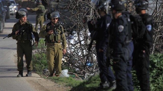 İsrail güçleri Yerleşim Karşıtı Gençler Topluluğu Koordinatörü İsa Amr'i gözaltına aldı