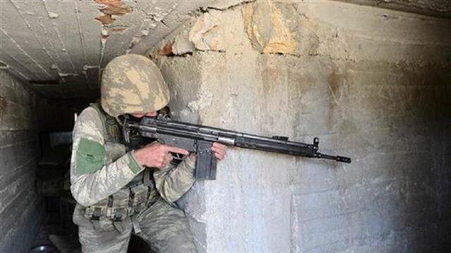 القوات التركية تلاحق الإرهابيين في داخل أوكارهم بعقرين