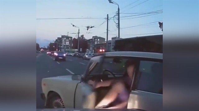 Yol kestikten sonra kaza yapan maganda