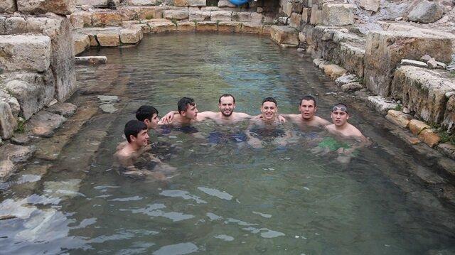 حمام روماني يعاود تقديم العلاج للسياح والرياضيين في تركيا