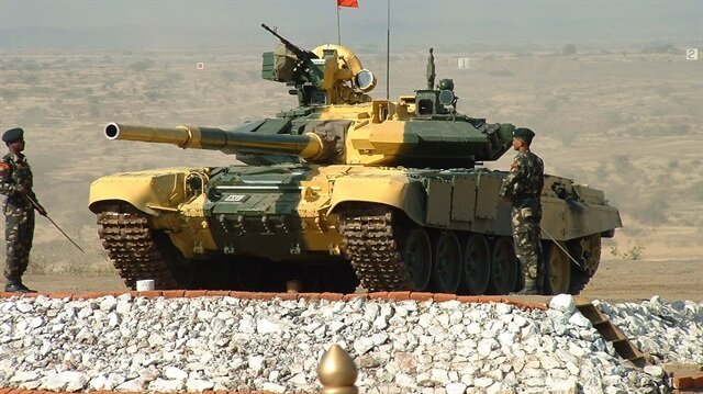 Irak 36 T90s tankını Rusya'dan teslim aldı