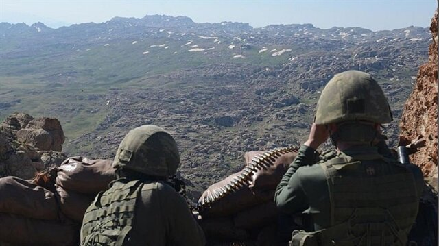 Four PKK terrorists surrender to Turkish security forces