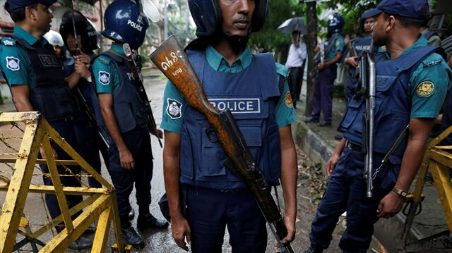 Bangladesh police free detained foreign aid workers