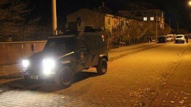 Yüksekova'da zırhlı polis aracının geçişi sırasında patlama