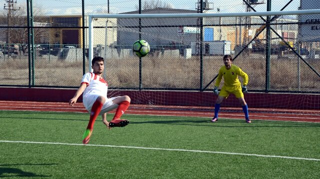 Balona röveşata atan Gülbey Türkücü ilk maçında şov yaptı