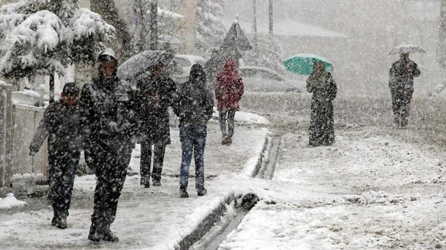 Trakya'da yoğun kar yağışı devam ediyor