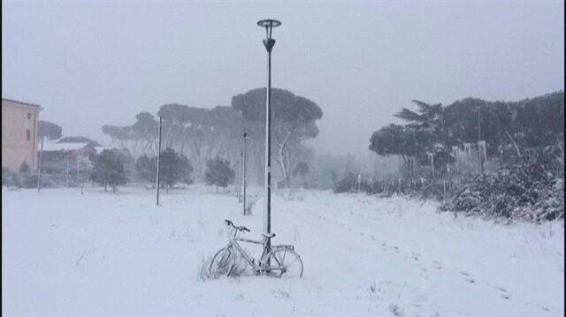 Rome wakes up to a blanket of snow as icy winds blow from Serbia