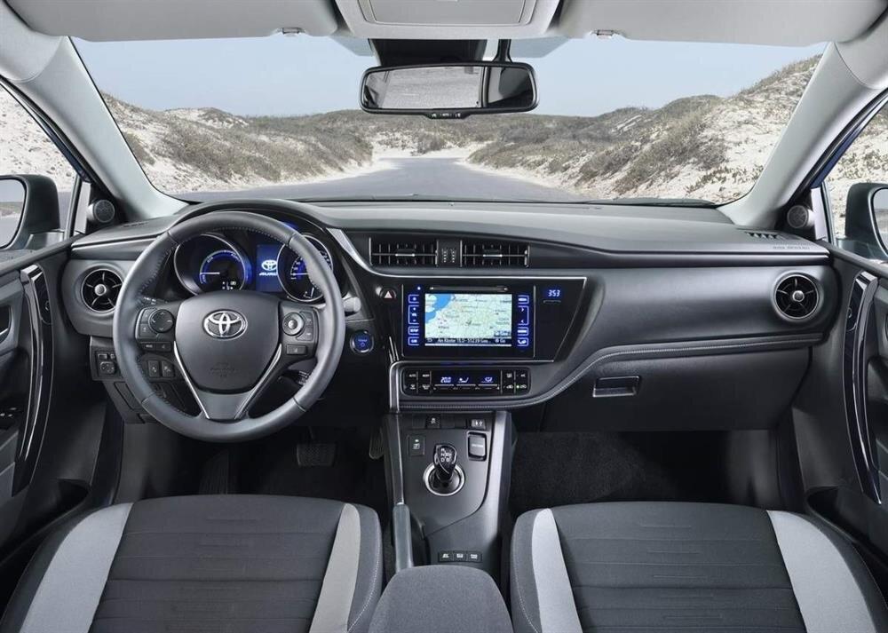 2018 toyota auris cenevre otomobil fuar 39 nda tan t lacak for Interior toyota auris 2018