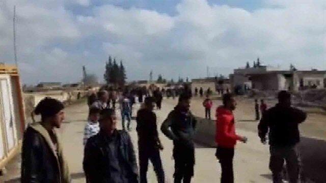 Köylüler terör örgütü PKK'yı Menbiç'den kovdu