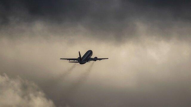 İstanbul-Kars seferini yapan yolcu uçağı, yan ve sert rüzgar nedeniyle Erzurum'a iniş yaptı.