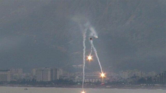 SOLOTÜRK F-16'larla nefes kesti!