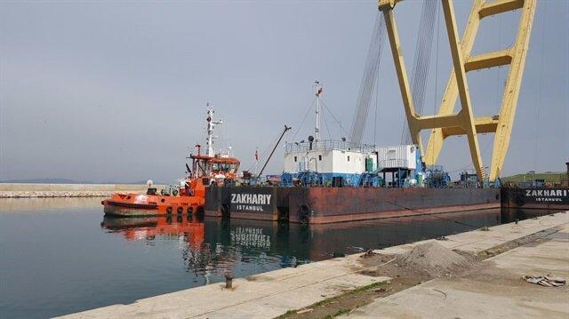680 ton kaldırma kapasiteli yüzer kreyn Bandırma'da