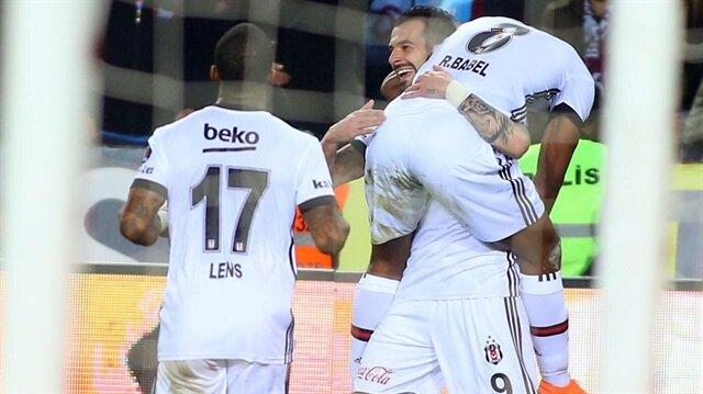Alvaro Negredo, oyuna girdikten sonra Babel'e iki kez asist yaptı ve maçın yıldızlarından biri oldu.