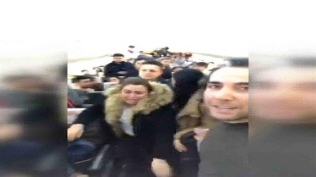 Uçakta sinir krizi geçiren yolcular gözyaşlarına boğuldu