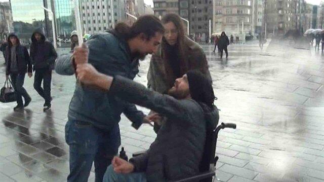 Gerçeği aratmayan sosyal deneyde engelli vatandaş büyük takdir topladı