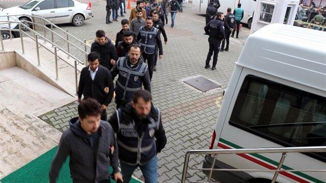 Düzce İl Jandarma Komutanlığında görevli 12 asker gözaltına alındı.