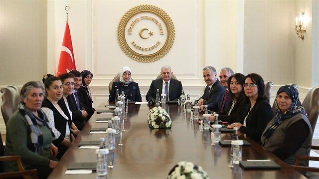 Başbakan Yıldırım, Boğatepe Çevre ve Yaşam Derneği Başkanı Zümran Ömür ve dernek üyelerini kabul etti.