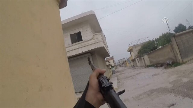 Intense street fighting between Turkish army and FSA against PYD  YPG in Syria's Jindaris