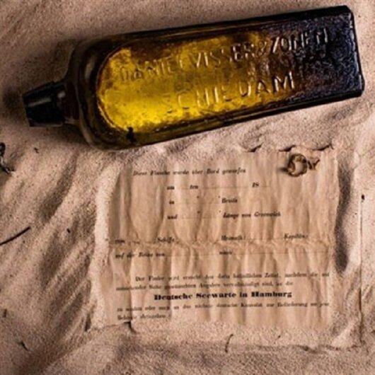 Şişe ile denize atılmış 132 yıllık not karaya vurdu