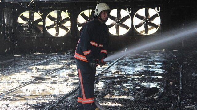 Elazığ'da çiftlik yangını: 22 bin civciv telef oldu