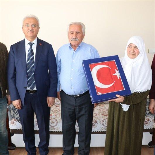 Yüzüğünü Afrin'deki Mehmetçik'e gönderdi