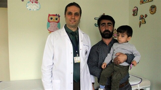 Küçük çocuğun akciğerindeki çekirdek başarılı bir operasyonla çıkarıldı.
