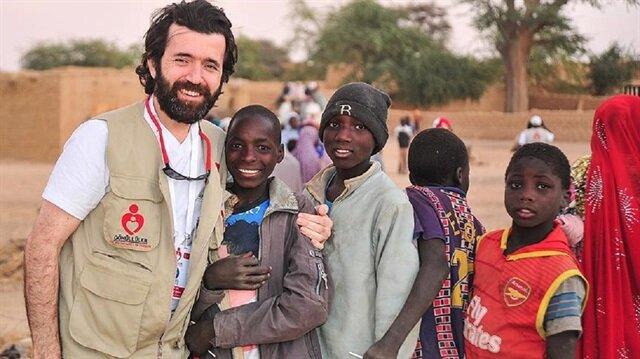 Afrika'da hastalara derman oluyor
