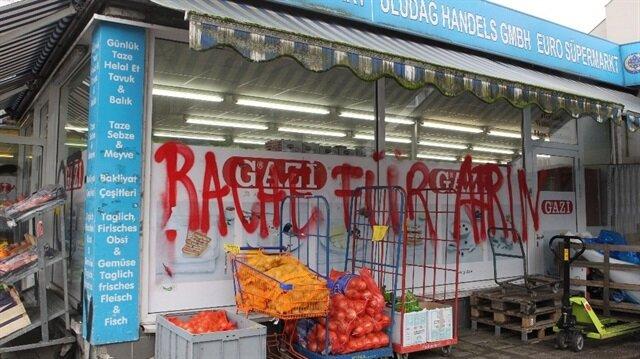 Darmstast şehrinde Türk marketine PKK /PYD yandaşları tarafından saldırı gerçekleştirildi.