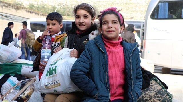 El Kadem bölgesinden ayrılmak zorunda kalan bin 55 sivil, İdlib'e geldi.