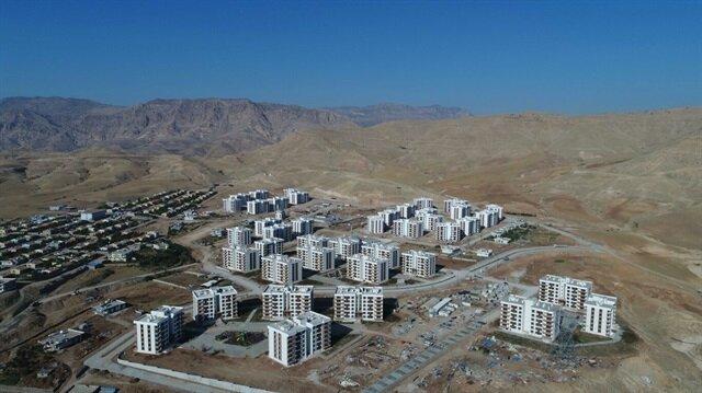 Şırnak'a terörden zarar gören aileler için 9 bin 215 konutun inşasına devam ediliyor.