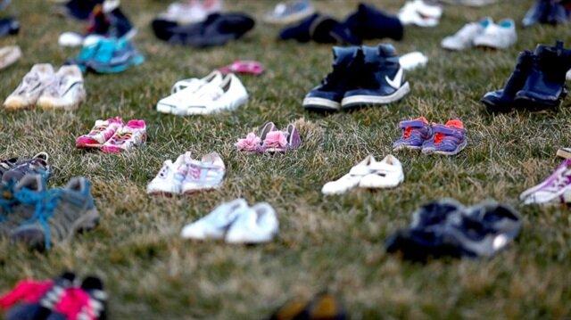 ABD'de Beyaz Saray'ın avlusunda 7 bin çift ayakkabı ile protesto gösterisi düzenlendi.