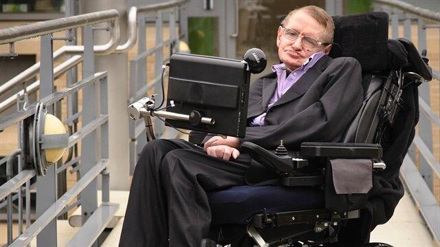 Stephen Hawking 76 yaşında hayatını kaybetti.