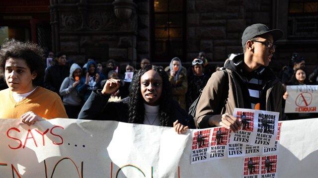 ABD'de binlerce öğrenciden Trump'a silah protestosu
