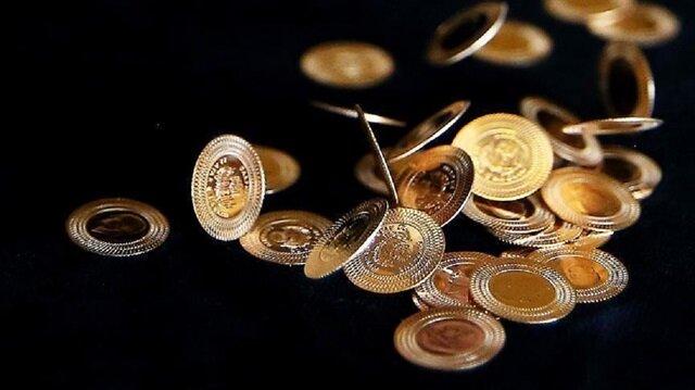 Çeyrek altın 270 lira, Cumhuriyet altını da 1.103 liradan satılıyor.