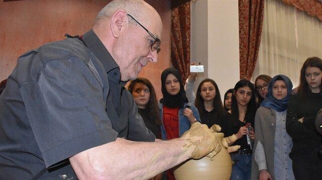 Yaptığı çömlek Dubaili iş adamının ilgisini çekince yurt dışına açıldı.