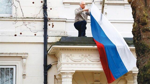 İngiltere'den 23 Rus diplomata sınır dışı kararı