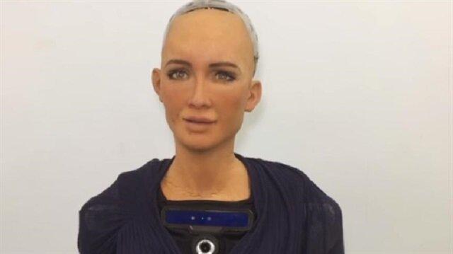 الروبوت صوفيا للمصريين: انتظروني لأول مرة في القاهرة