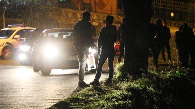Yapılan incelemelerin ardından el yapımı patlayıcı incelenmek üzere polis merkezine götürüldü.