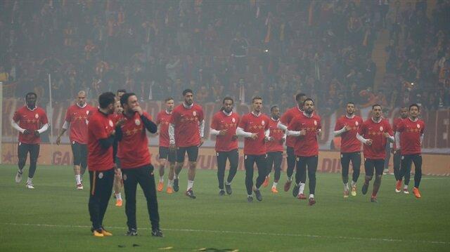 Galatasaray'dan derbi öncesi taraftarlı antrenman
