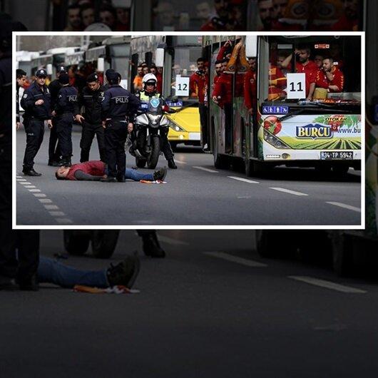 Otobüsten düştü