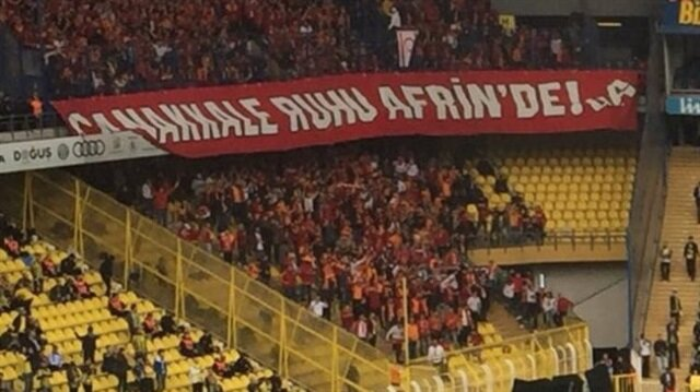 Galatasaraylı taraftarlardan alkış alan Afrin pankartı