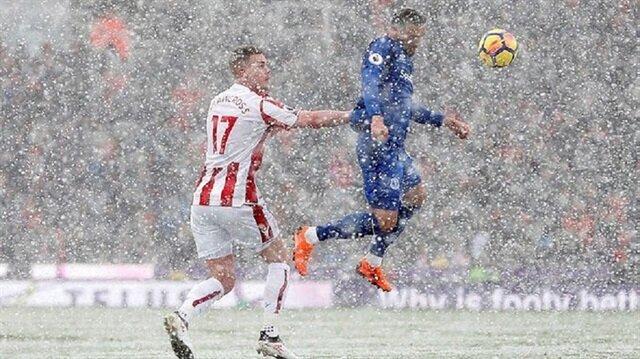 Cenk Tosun Premier Lig'i sallıyor: 2 gol birden attı