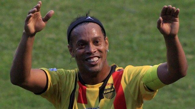 Brezilyalı efsane Ronaldinho derbinin skorunu verdi