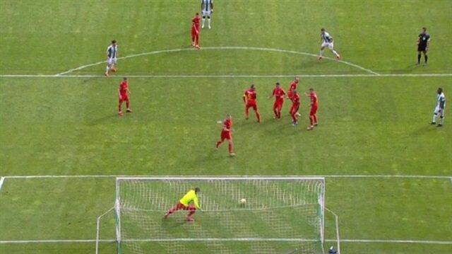 Stoper kaleye geçti ilk şut gol oldu