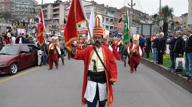 Zonguldak'ta Zeytin Dalı Harekatı'na destek amacıyla mehter takımı eşliğinde yürüyüş ve tır konvoyu düzenlendi