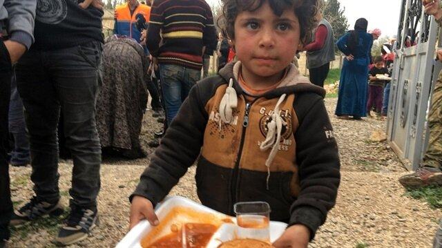 AFAD Mahmudiye köyüne insani yardım götürdü
