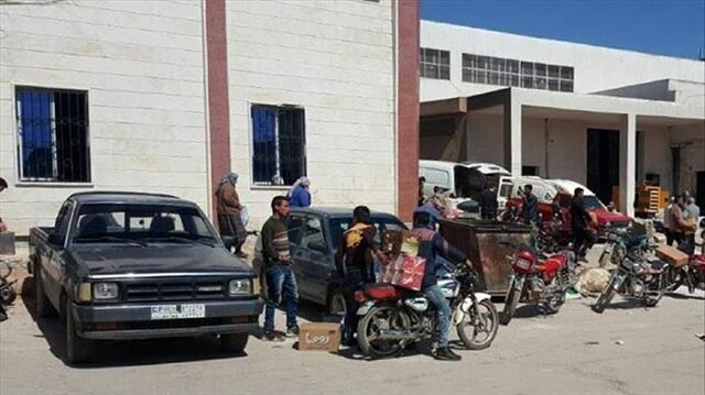 Eastern Ghouta residents return to their homes in Saqba