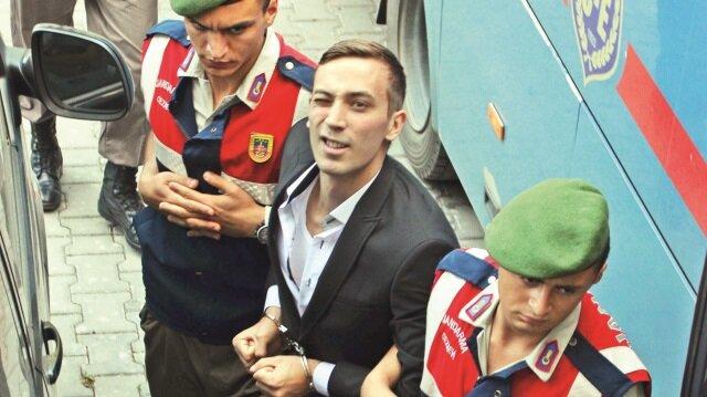 """Boyraz, Yargıtay'ın 50 yıl hapiste """"iyi hal indirimini"""" bozmasının ardından tekrar hakim karşısına çıktı."""