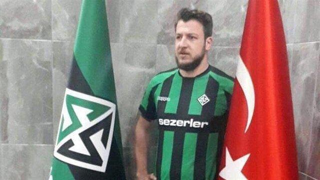 Batuhan Karadeniz futbol kariyerine Beşiktaş altyapısında başlamıştı.
